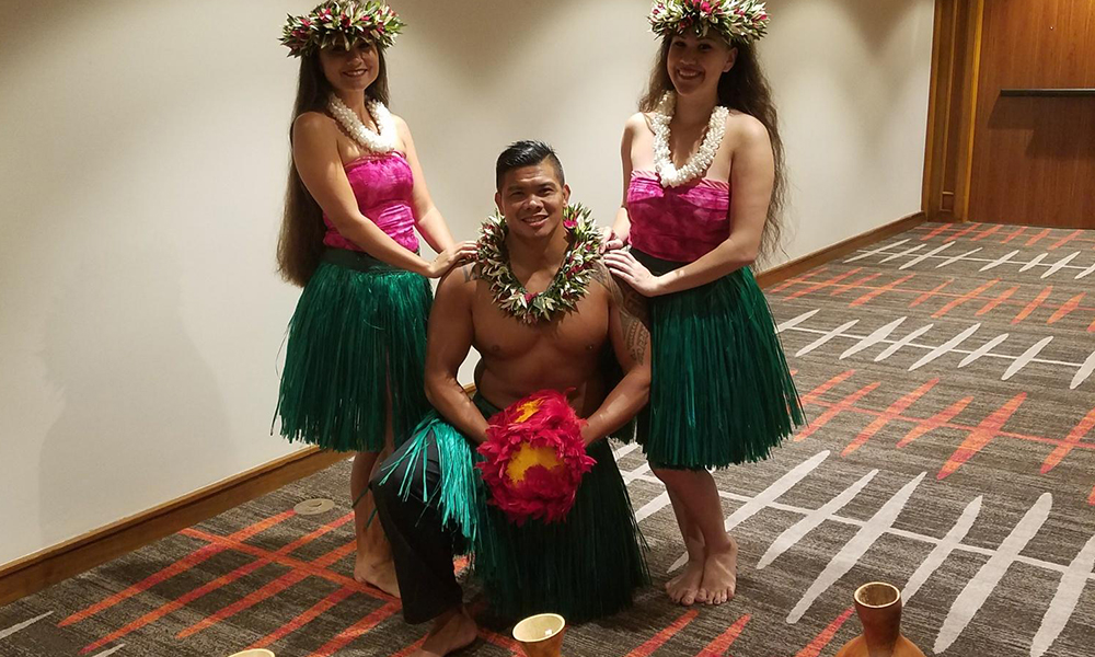 hawaiian dancing